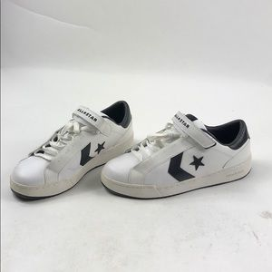 Converse Velcro Tennis Shoes Used L79